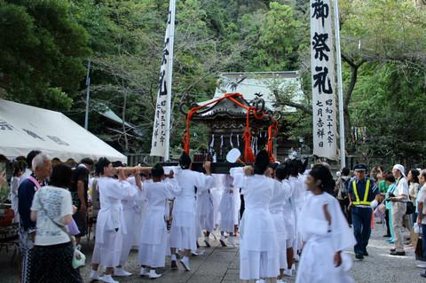 Mikoshi1209183